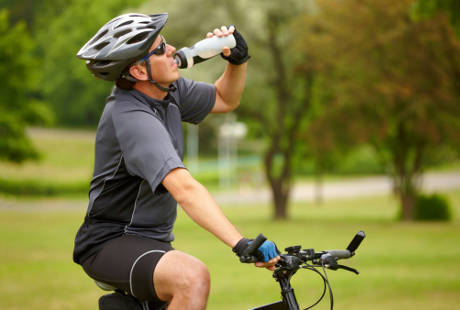 Tips Bersepeda Agar Tidak Mudah Merasa Dehidrasi