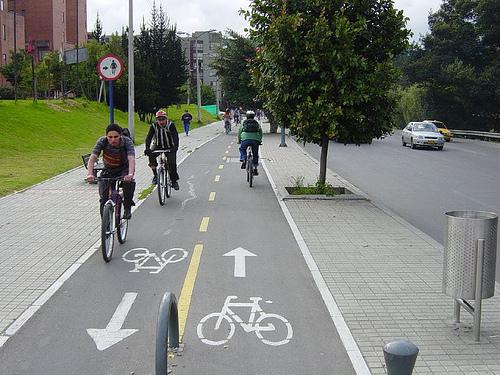 Tips Bersepeda Yang Aman Pada Saat Musim Hujan