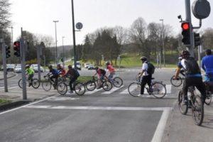 Tips Bersepeda Di Jalan Raya Yang Aman