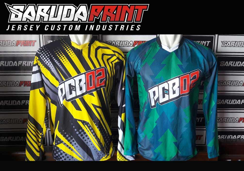 Kaos Sepeda Printing Warna Biru Dongker Modern