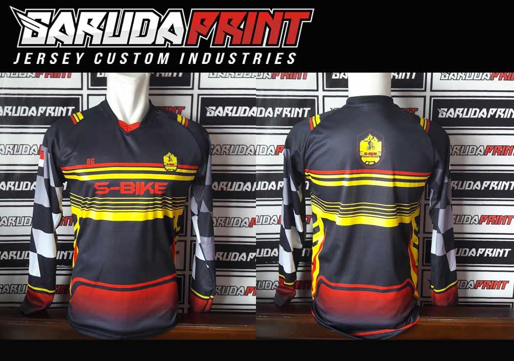 Kaos Sepeda Printing Warna Hitam Minimalis